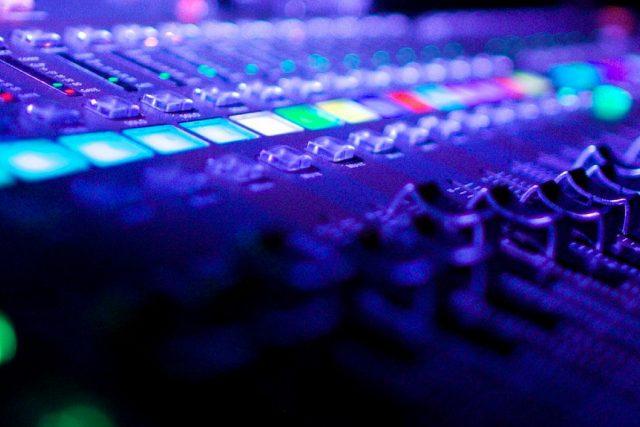 Benefits of hiring an audio visual company